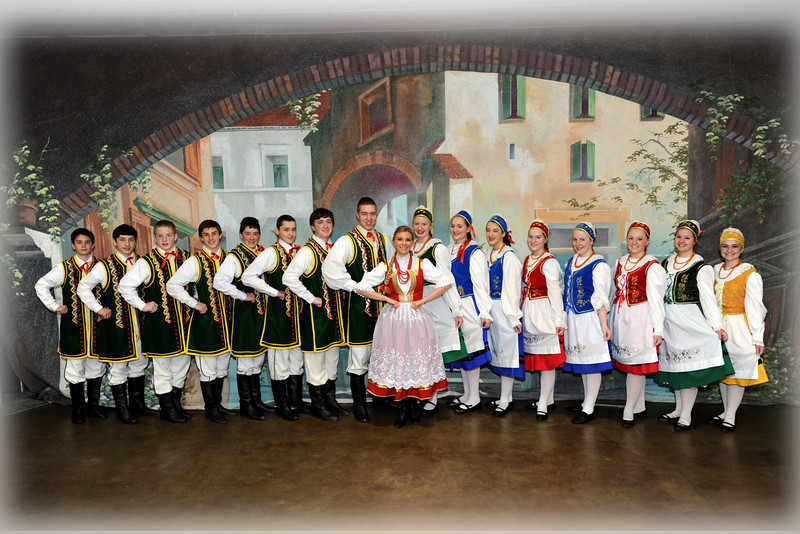 Dolina Polish Folk Dancers - Chabry teen group