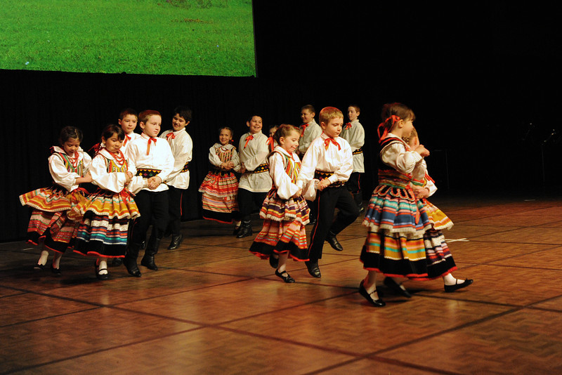 Dolina Polish Folk Dancers - Sloneczniki children's group