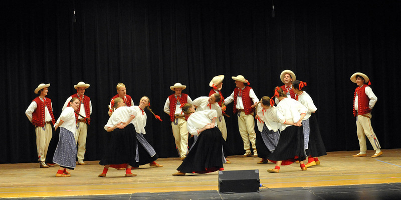 Dolina Polish Folk Dancers perform Beskid at the Minnesota Carpathian Festival.