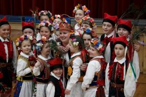 Sloneczniki Children Dancers
