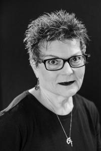 Suzanne Wiatros
